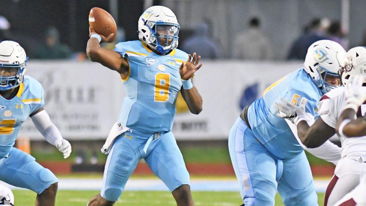 Southern quarterback Ladarius Skelton (No. 8) throws a pass against Alabama A&M on Nov. 2, 2019.