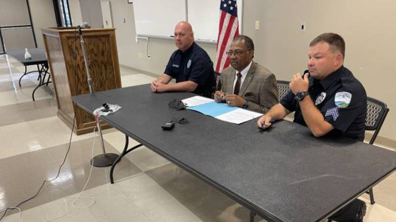 Mayor Hall and two officers representing the union signed the contract.