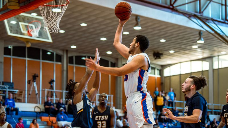 Jr. C Galen Smith, Jr. rising for 2 of his 27 points during Saturday's game vs. ETBU