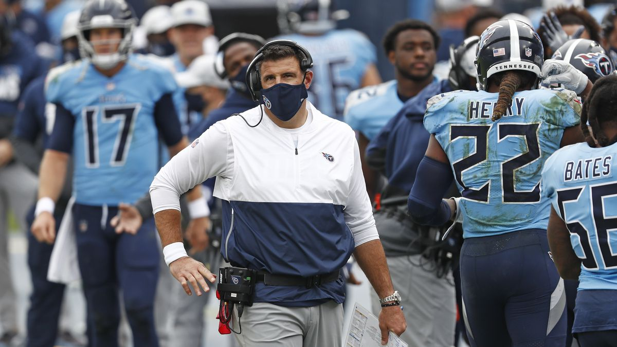Tennessee Titans head coach Mike Vrabel watches from the sideline in the first half of an NFL...