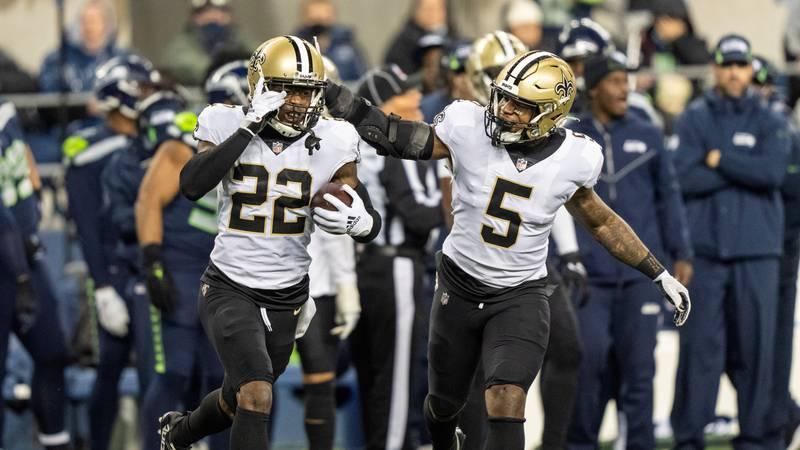 New Orleans Saints defensive back C.J. Gardner-Johnson (22) and linebacker Kwon Alexander (5)...