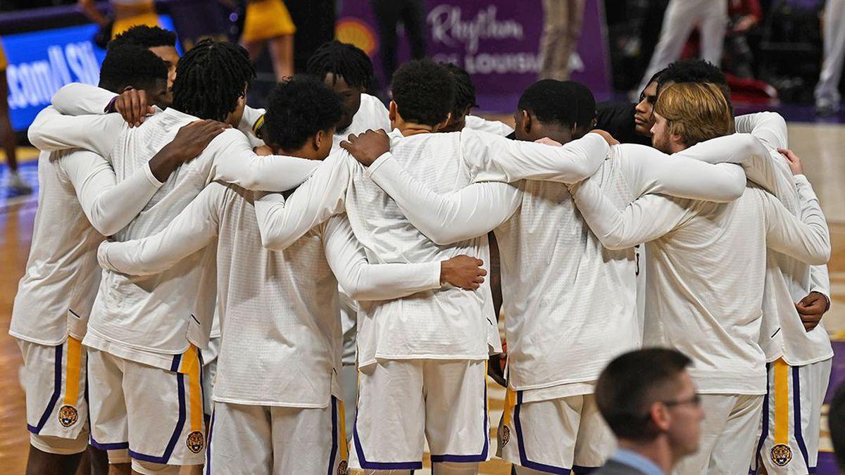 LSU Men's Basketball ranked No. 15 in AP Poll. (Source: Josh Auzenne/WAFB-TV)