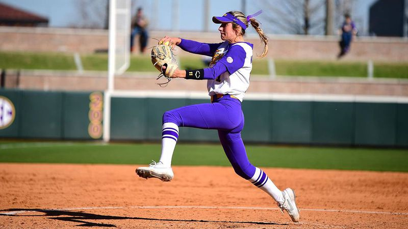 LSU pitcher Shelby Wickersham (11)
