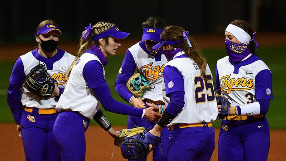 No. 5 LSU falls to No. 25 Duke in the Tigers' second game of the Tiger Classic.