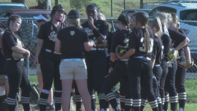 The Jena Giants' three-run homerun late in the bottom of the sixth inning lead to their Class...
