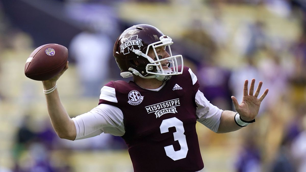 Mississippi State quarterback K.J. Costello (3) passes in the first half an NCAA college football game against LSU in Baton Rouge, La., Saturday, Sept. 26, 2020. (AP Photo/Gerald Herbert)
