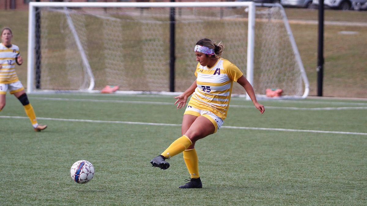 Sr. D Jordyn DeJongh from Friday, who tallied her third straight game with an assist.