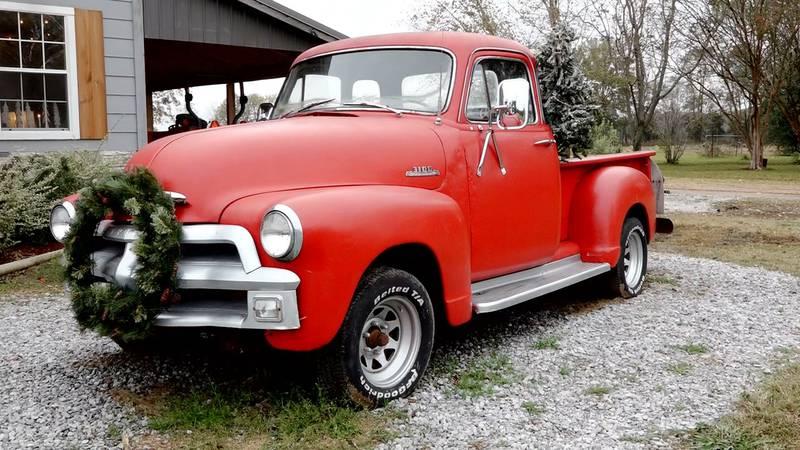Red Truck Barn in Jonesville