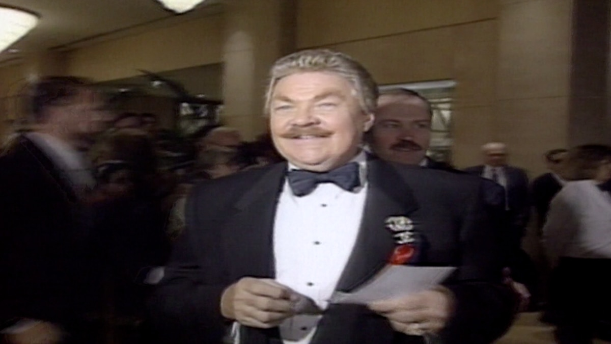 Confetti-tossing actor and comedian Rip Taylor has died at age 84. (Source: CNN)