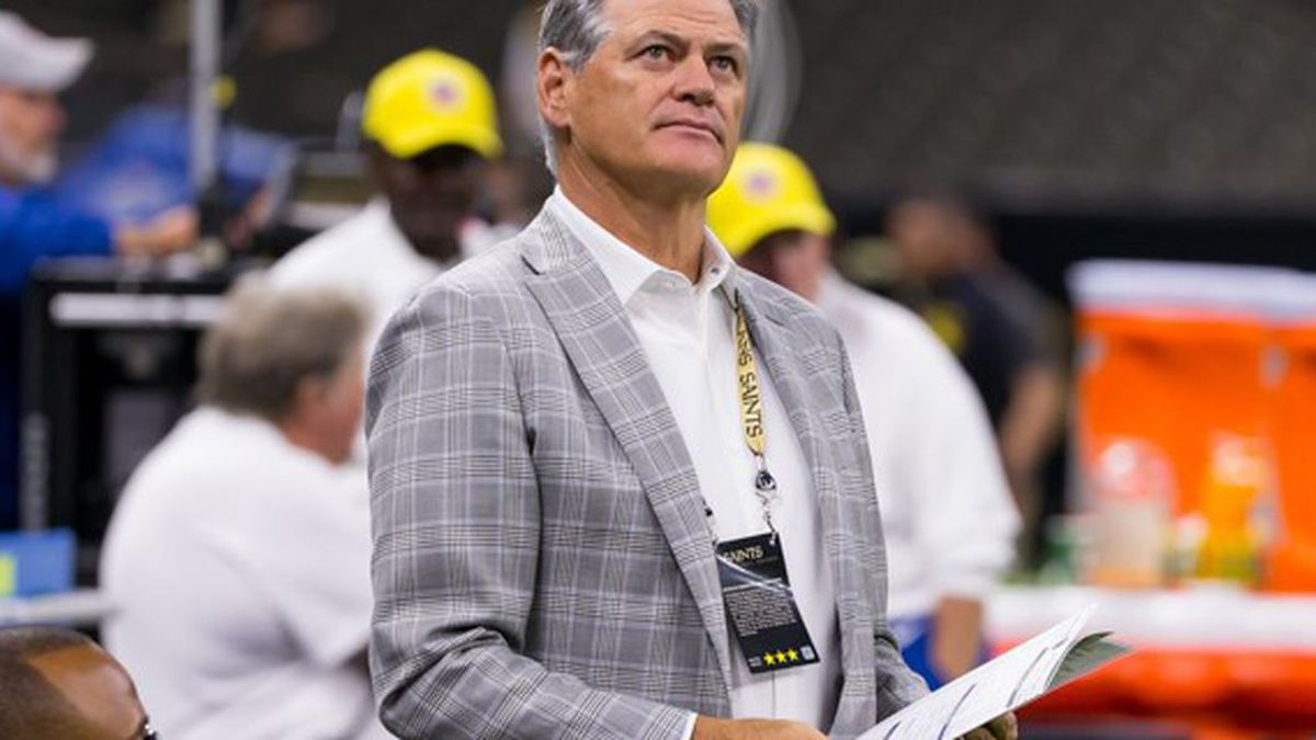 New Orleans Saints Executive V.P./G.M. Mickey Loomis gazes around the Superdome before a game.