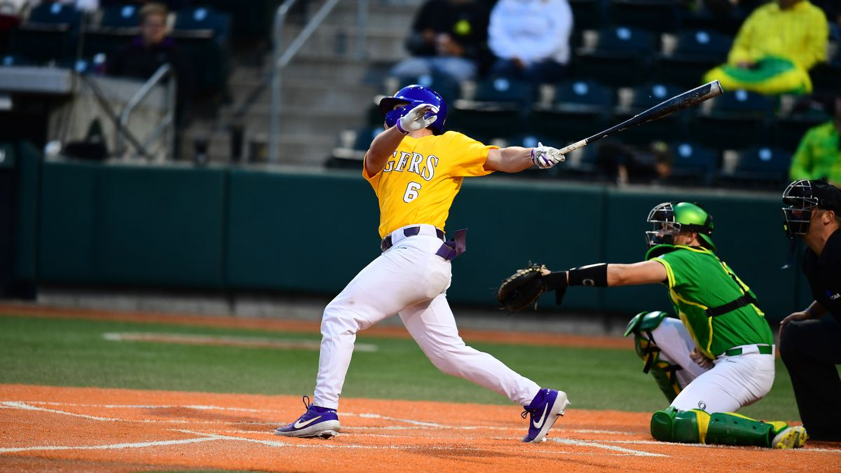Gavin Dugas (6) was 3-for-4 at the plate in the win against Oregon.
