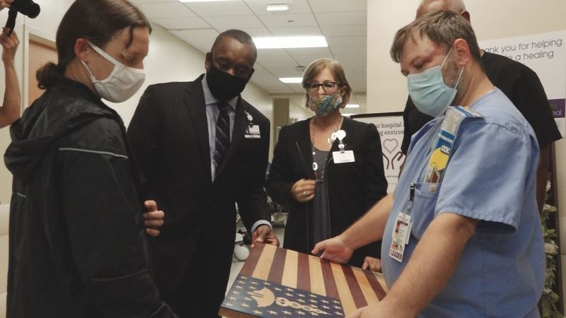 Annalee Stevens honors frontline workers at CHRISTUS St. Frances Cabrini Hospital in Alexandria...