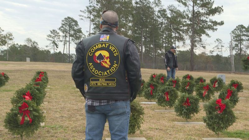 People across the country laid a wreath on the graves of veterans Saturday morning. The Central...
