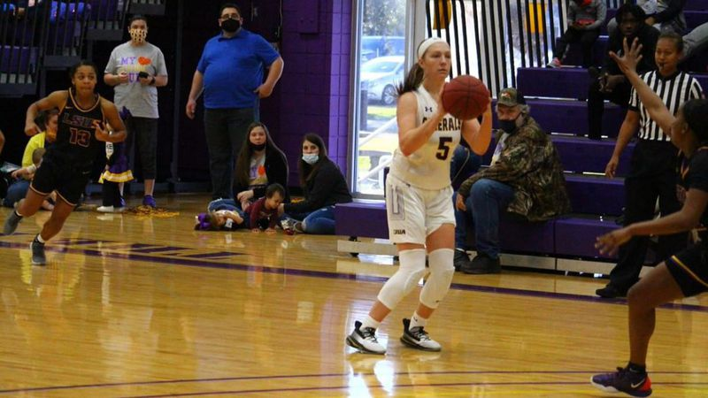 Kelsey Thaxton dropped in 20 of her season-high 28 points in the second half, helping lead the...
