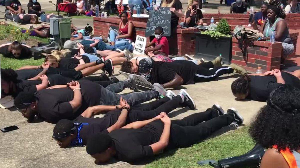 Peaceful protest in DeRidder (KPLC)