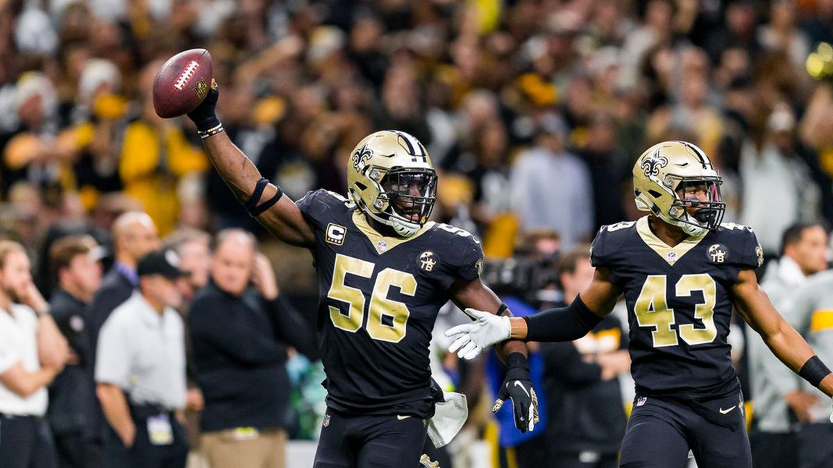 Demario Davis recovers a Steelers fumble to seal a Saints victory. (Source: Paul Spinelli)