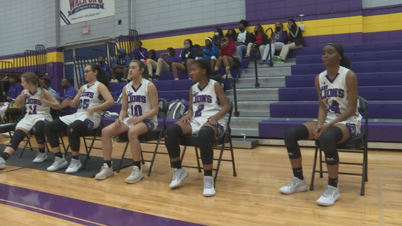 The University Academy Lady Lions edged the Oak Hill Lady Rams, 57-54.
